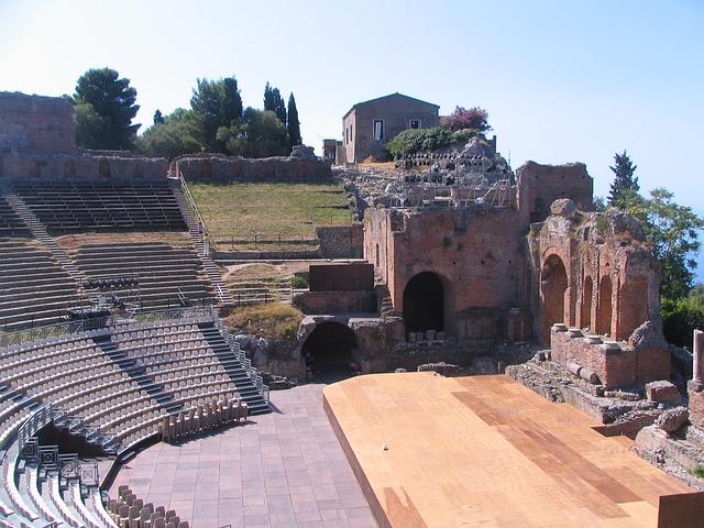 greek-theatre taormina