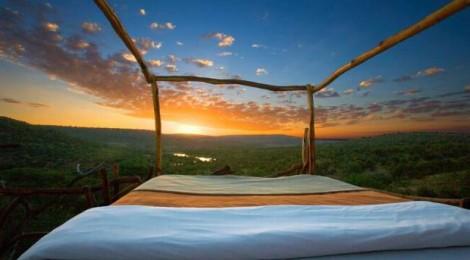 10 hoteluri cu camere în aer liber